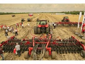 Полевые демонстрации в Ростовской области позволили получить ценную информацию по сельскохозяйственной техники.