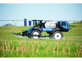 New Holland Guardian™ sprayer SP370 Model