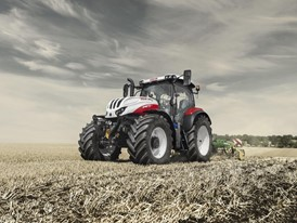 STEYR PROFI CVT WITH COMPACT 6-CYLINDER