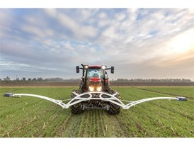 Case IH Tractor with CropXplorer: a biomass sensing package to  accurately calibrate the application of fertilizer