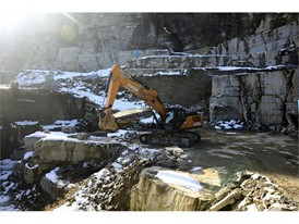 CASE Construction Equipment's two-piece boom CX370D faces the task of quarrying Luserna Stone in Northern Italy