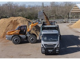 Loading high sided vehicles is made easier thanks to oustanding visibility and fast cycle times