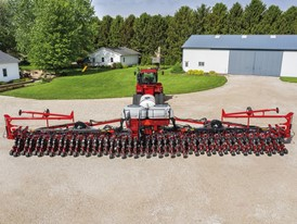 Case IH introduces two new 60-foot configurations for the 2160 Early Riser® large front-fold planter.
