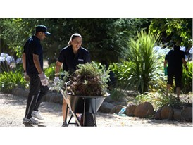 IVECO employees volunteering their time at the One Voice project in Australia