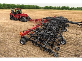 The Flex Hoe™ 900 air drill from Case IH is agronomically designed to help producers efficiently seed small grains.