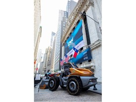 CASE Methane-Powered Wheel Loader Concept ProjectTETRA in front of the NYSE