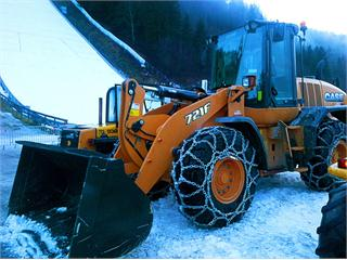 CASE wheel loader 721F supported Ski Flying World Cup in Austria