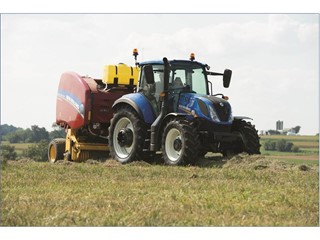 New Holland T5 Tier 4B delivers big tractor features to family farm models