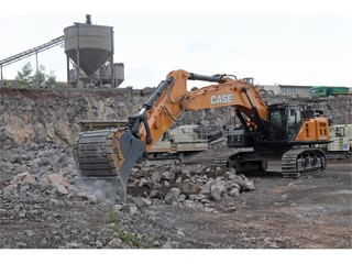 The CX750D delivers reliably massive productivity in Basalt quarries in Germany