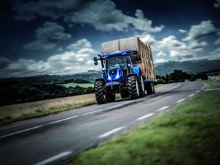 New Holland Agriculture T6 Dynamic CommandTM A New Transmission of Power