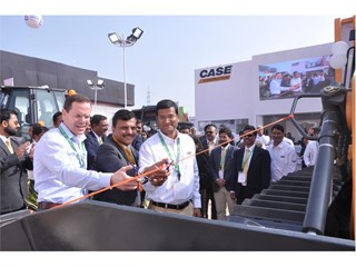 CASE launches new dozers and soil compactor at BAUMA CONEXPO INDIA 2016