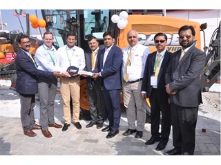 CASE marks milestone with delivery of 100th motor grader of the year in India