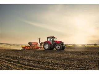 Maxxum 150 CVX public working debut showcases merits of compact six-cylinder tractor design with CVT