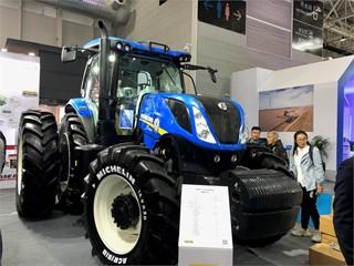 纽荷兰在2019中国国际农业机械展览会上展示了即将发售的全新拖拉机机型