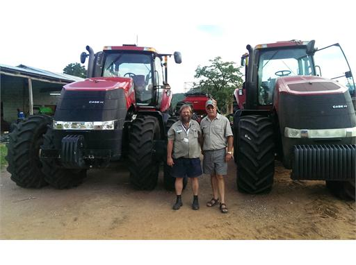 Ian Smith Service Manager Univern Enterprises and Brink Bosman from Bosman Farming Zimbabwe