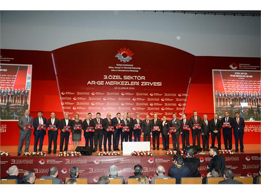 TürkTraktör Awarded First Prize in Automotive R&D Centres by Turkey's Ministry of Science, Industry and Technology