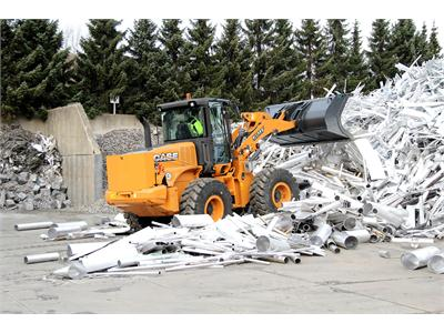 Perfectly equipped: Case wheel loader 521F with waste-handler equipment package for metal recycling at AGN Aluminium