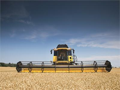 Combine and Round Baler tour showcases New Holland technology