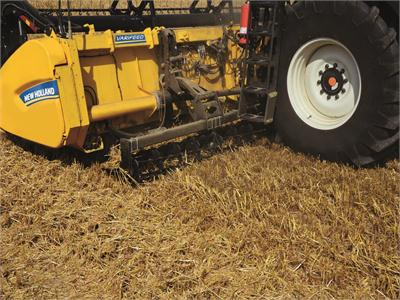 New Holland unveils the capacity-boosting Dual Stream header concept