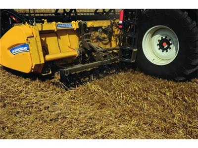 New Holland launches capacity-boosting Dual Stream header concept for UK