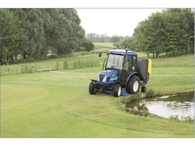 New Holland showcases compact construction equipment and tractors at Saltex