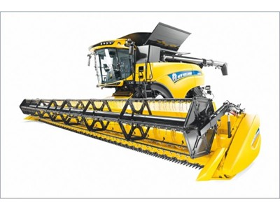 New Holland Raises Harvesting Stakes with New CR Combine Series and New 16 Row Corn Head