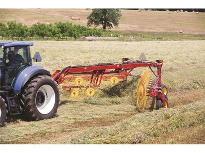 Simple, High-Volume Raking with New Holland  DuraVee™ Trailing Wheel Rakes