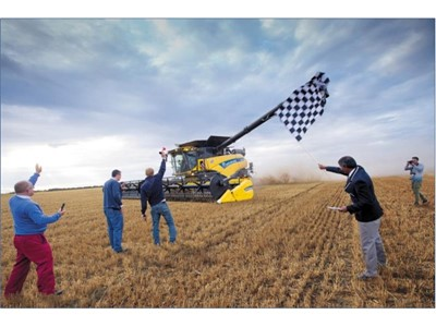 New Holland Agriculture Smashes the Current GUINNESS WORLD RECORDS™ Title for Most Wheat Harvested within Eight Hours with the CR10.90 Elevation Combine