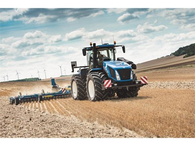 New Holland introduces T9 Auto CommandTM: the industry exclusive 4WD CVT range with the largest horsepower offering on the market