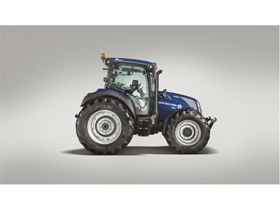 The new New Holland T5 AutoCommand™ range delivers ultimate comfort, industry leading  performance and seamless productivity