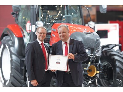 "Case IH Versum CVXDrive with Stage V engine and Quadtrac CVXDrive are awarded ""Machine of the Year 2019"""