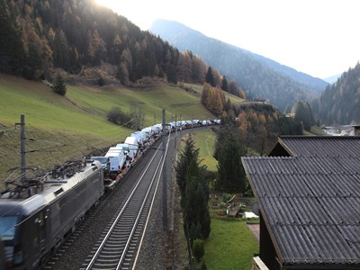 Specially adapted train from Italy to Germany