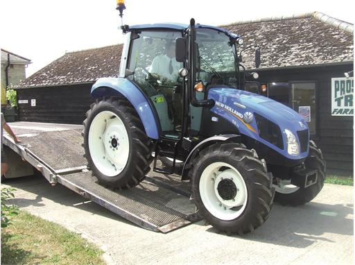 New Holland T4.75 blue Tilly Tractor