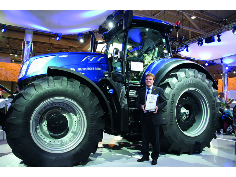 New Holland Agriculture T7.315 Tractor - 2016 Machine of the Year Award