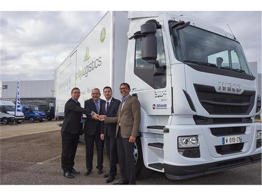 Representatives from Iveco and CityLogistics with the 1,000th natural gas vehicle sold by Iveco in France