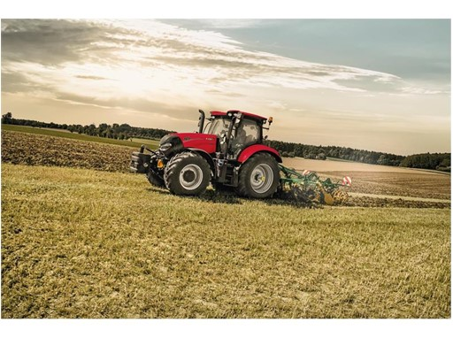 Case IH Maxxum 145 Multicontroller the world's most fuel-efficient four-cylinder tractor for field work