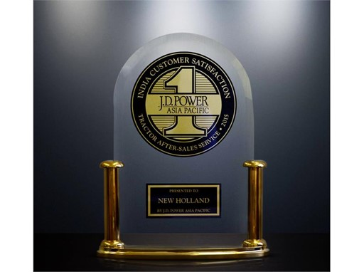 New Holland receives the Award for the highest ranking in Customer Service among tractor brands