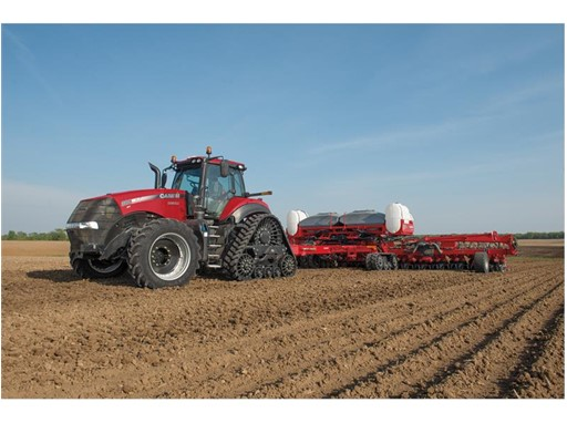 Updates to Model Year 2019 Magnum wheeled and Magnum Rowtrac tractors focus on boosting productivity and performance