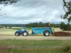 Italian - New Holland Agriculture Methane Powered Concept Tractor Show Reel