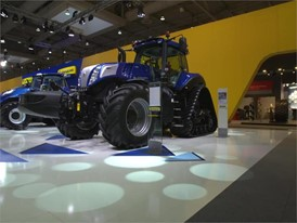New Holland Agriculture T8 NHDrive