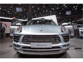 Continental at IAA 2015 Porsche Macan S 1 01