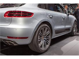 Continental at IAA 2015 Porsche Macan T 2 01