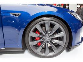 Continental at IAA 2015 Tesla S 2 01