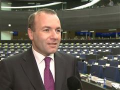 Manfred Weber: Umsetzung des EU-Türkei-Abkommens zeigt ein Durchgreifen gegen die Geschäfte der Menschenhändler.