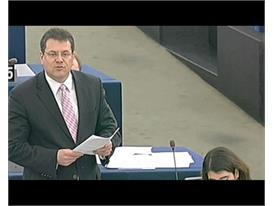 Response of commissionaire Maros Sefcovic, who announces a final decision on Greece in the Eurogroup next Monday