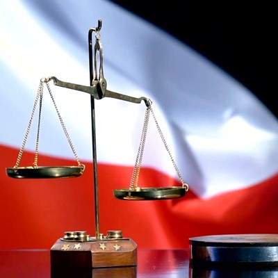 Defend rule of law in Poland with new measures