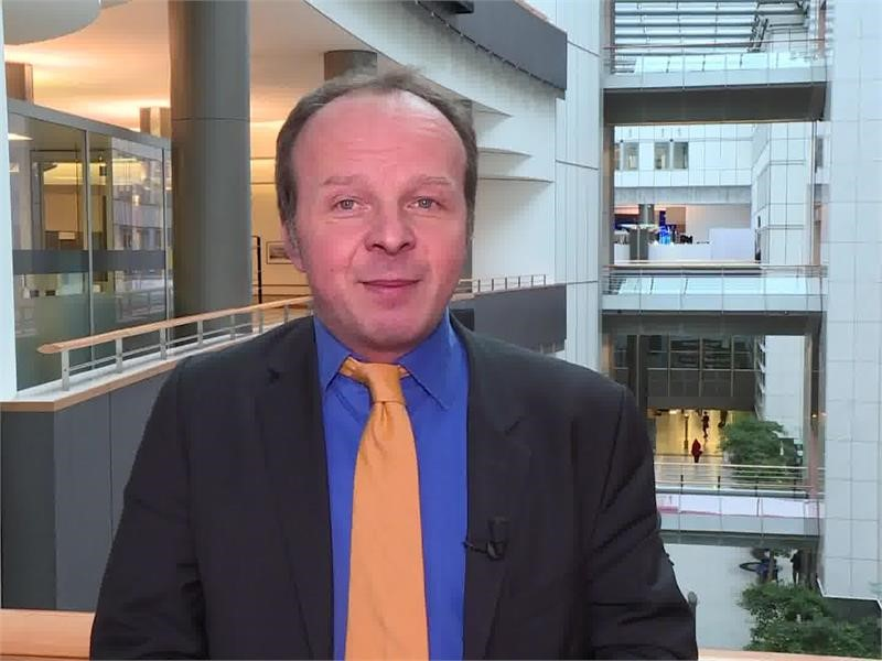 <b>EPP</b> TV Newsroom : Revamped Europass to help Europeans train ...