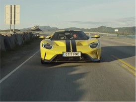 Ford GT - b-roll road