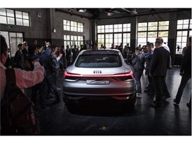 Audi e-tron Sportback Concept 9