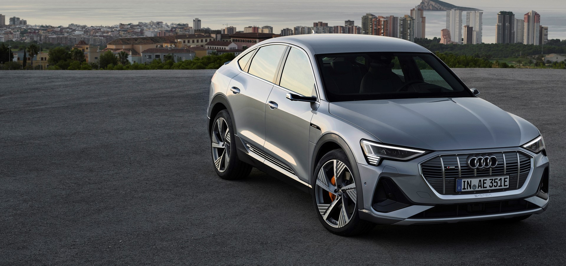 SUV Coupé for the e-tron Family: The Audi e-tron Sportback